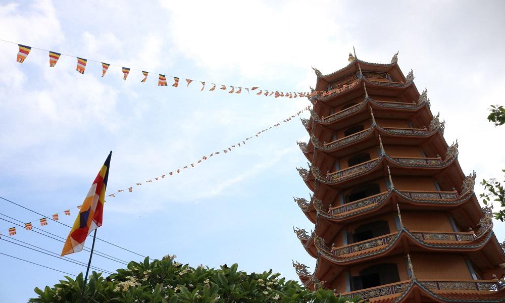 Chùa Linh Quang Đảo Phú Quý