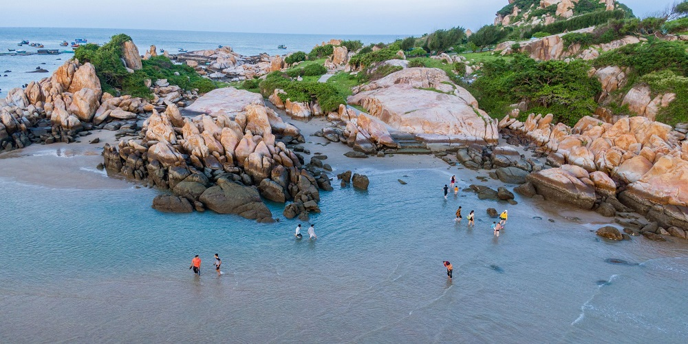 Vịnh Đá Nhảy Hàm Thuận Nam